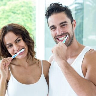 4 Teeth Cleaning Tips for Maintaining Shiny Teeth Between Dental Visits 4