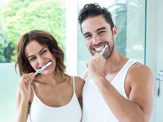 4 Teeth Cleaning Tips for Maintaining Shiny Teeth Between Dental Visits 1