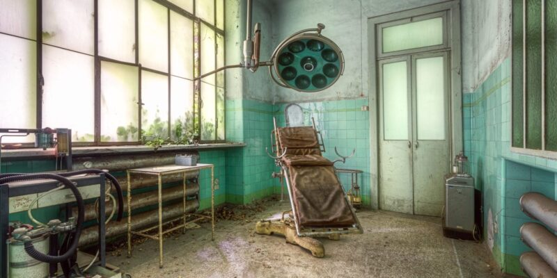 Haunting photos of abandoned hospitals