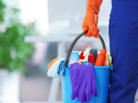 6 Benefits of Hiring a Janitor Service for Your Business 1