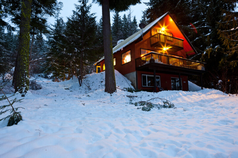 A Night in the Woods: 6 Things to Consider When Booking Cabin Rentals 1