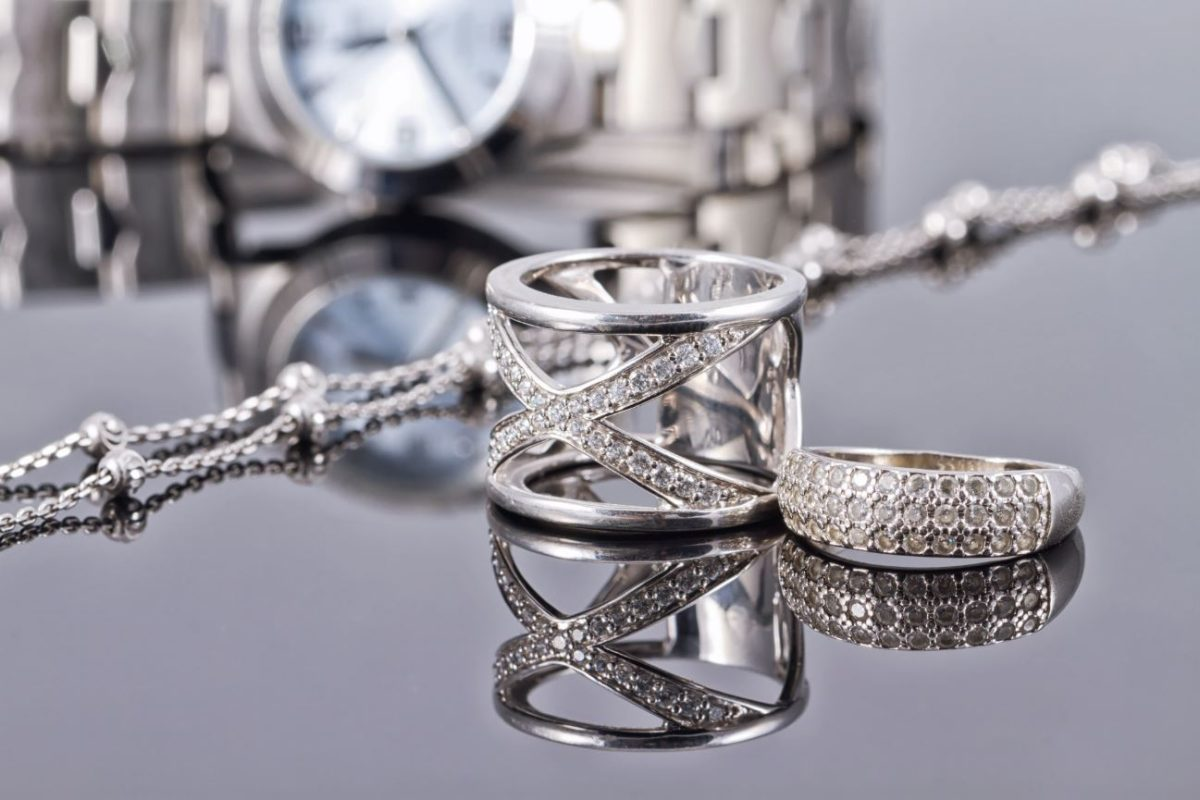 How to Make Homemade Silver Cleaner for Jewelry 1