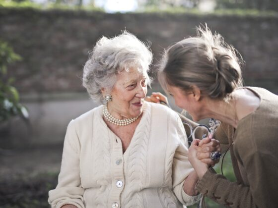 A Guide to Giving Your Aging Parents the Best Possible Care 2
