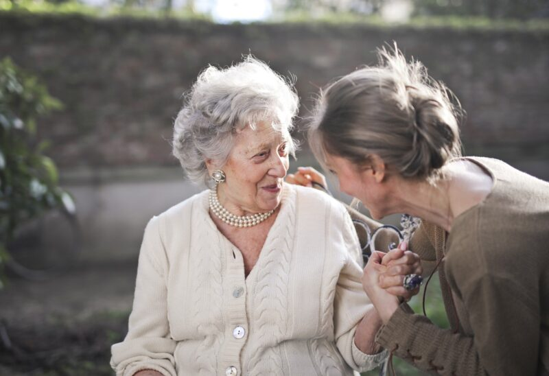 A Guide to Giving Your Aging Parents the Best Possible Care 1
