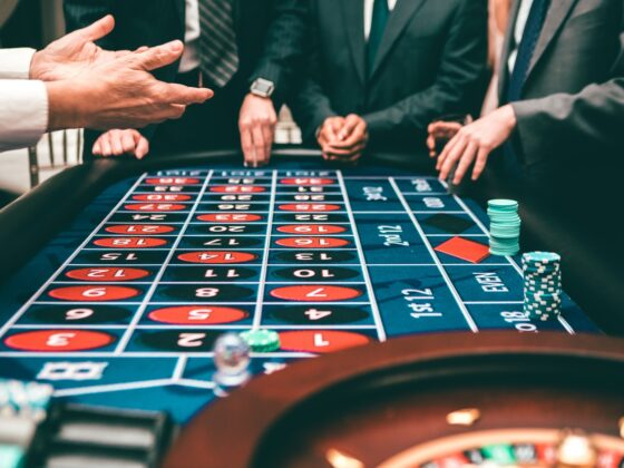 Why online casinos are better than land-based ones? 6