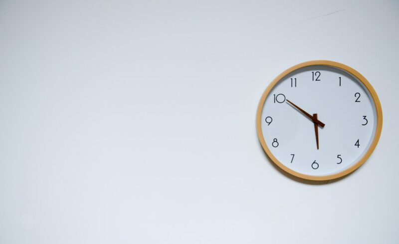 Three Ways to Leverage A Time Card App For Overtime Compliance 1