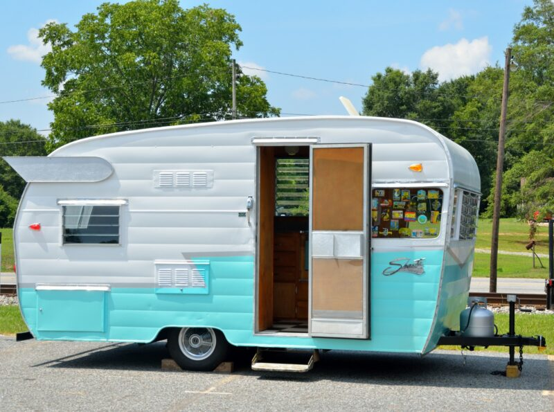 Happy Camper: What Are the Best Camper Trailers? 1