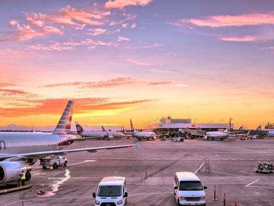 airport-airplanes-gates-flight-line-163771.jpeg