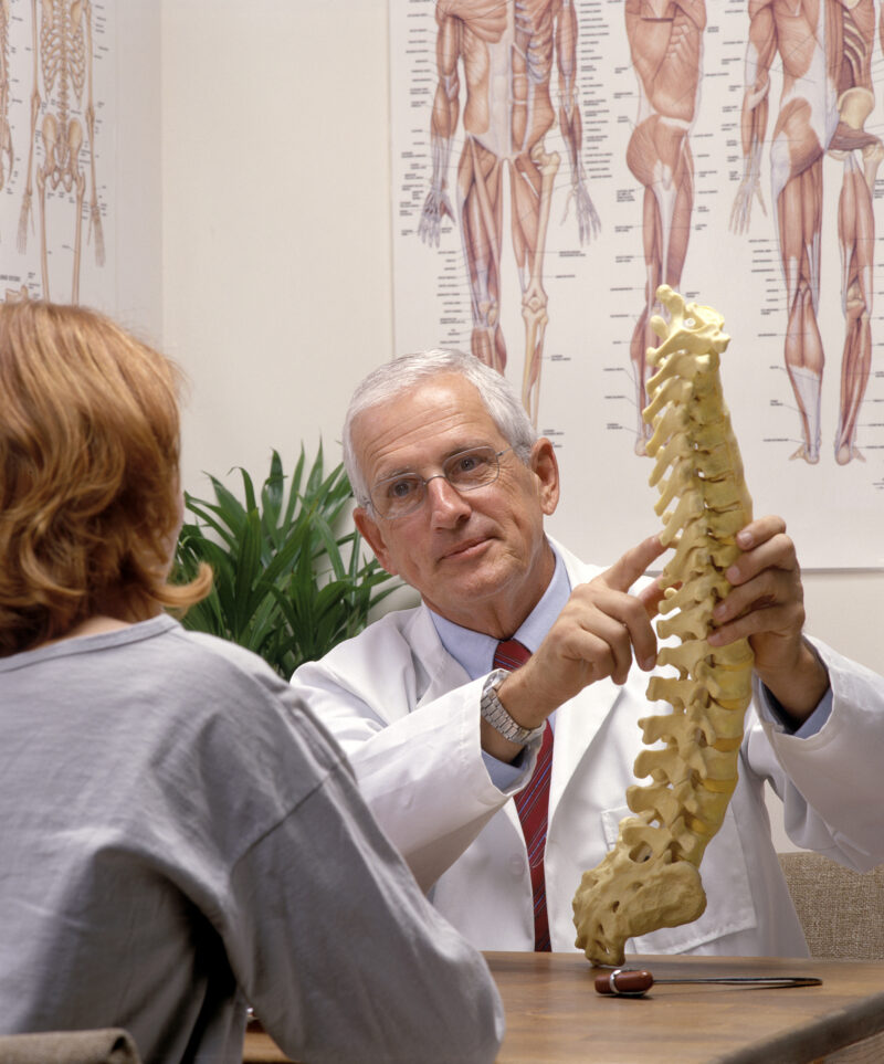 The Benefits of Having a Chiropractor Crack Your Back 1