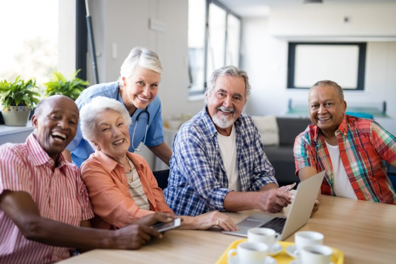 5 Reasons to Hire a Senior Moving Company vs. Standard Movers 1